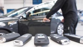 Eksperci ADAC testowali metodę, która w Polsce staje się coraz popularniejsza wśród złodziei samochodów