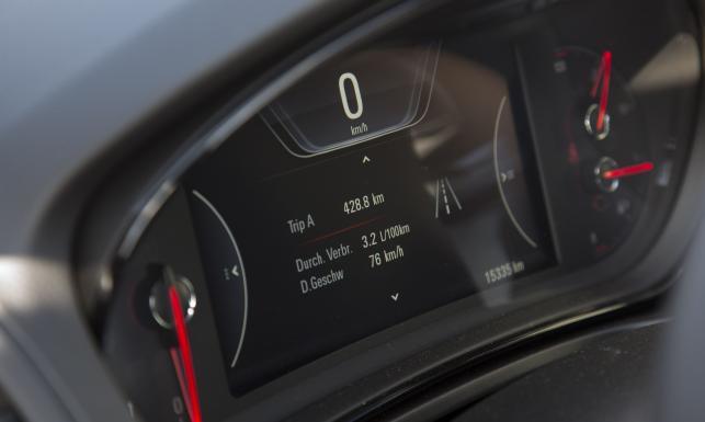 Ten samochód naprawdę spala 3,4 l na 100 km! Nowy rekord jazdy na jednym zbiorniku