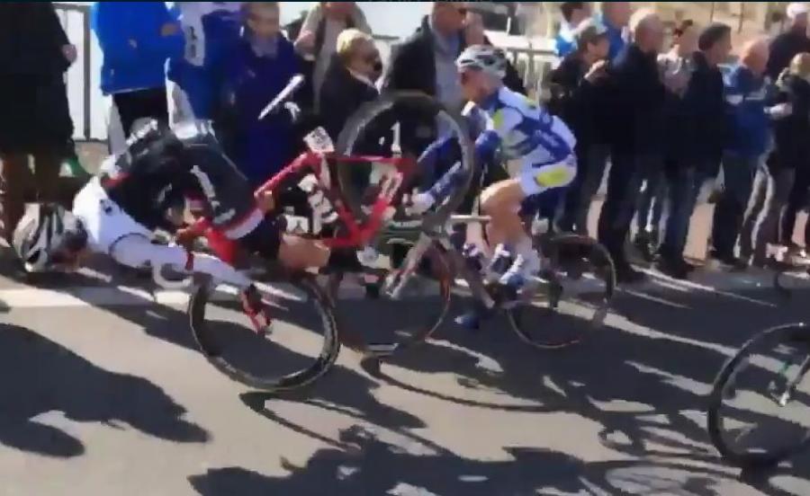 Koszmarna kontuzja włoskiego kolarza