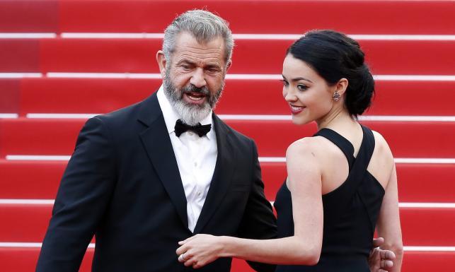 Mel Gibson z piękną i młodą narzeczoną w Cannes [ZDJĘCIA]