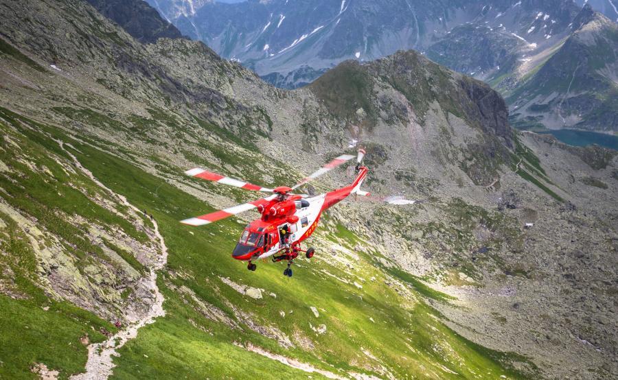 Śmigłowiec ratowniczy TOPR w Tatrach