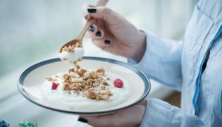 Jogurt z muesli