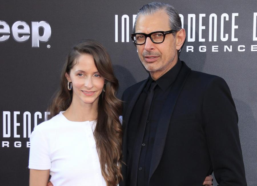 Jeff Goldblum z żoną Emilie Livingston na premierze filmu \