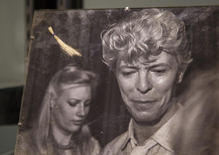 Pukiel włosów Davida Bowie'ego na aukcji w Beverly Hills