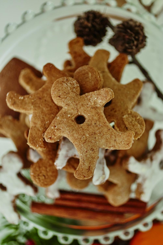 """świąteczne ciasteczka / ilustracja z książki """"Dorota was urządzi na Święta"""""""