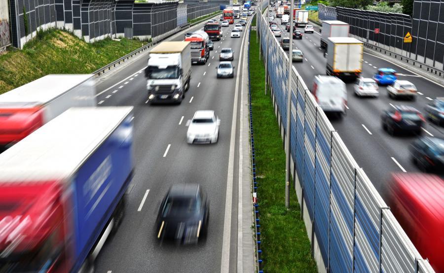 Samochody na drodze