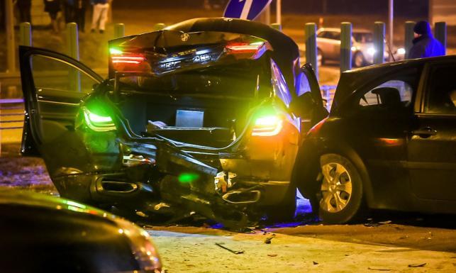 BMW z Antonim Macierewiczem rozbite. Policja i żandarmeria wojskowa ustalają przyczyny wypadku [ZDJĘCIA]