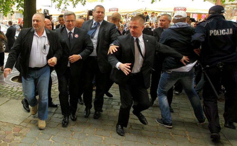 Atak na prezydenta Komorowskiego